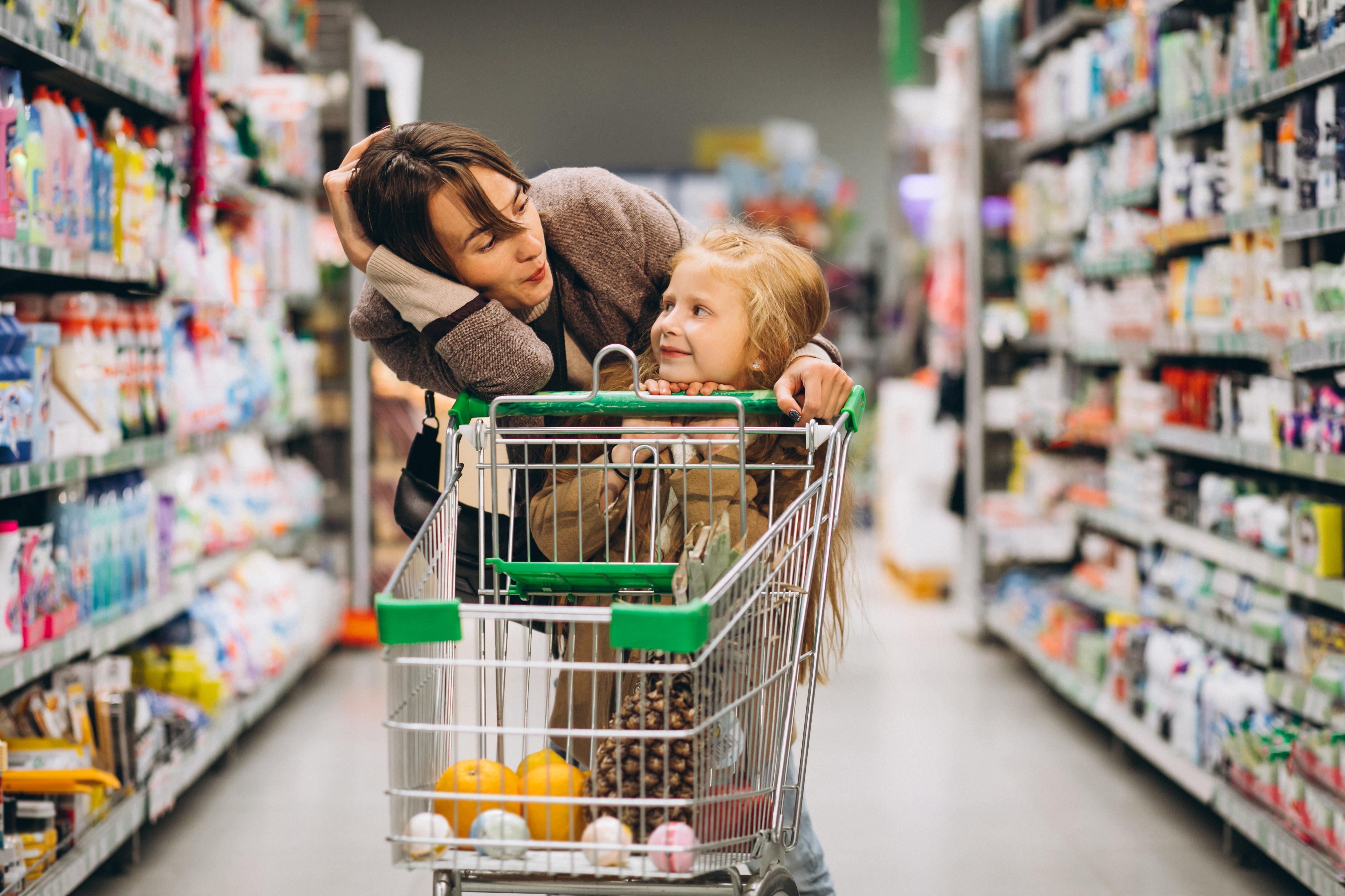 Proč děti milují hrát si na obchod