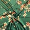 umele hedvabi silky kvety na vetvich na zelene 1