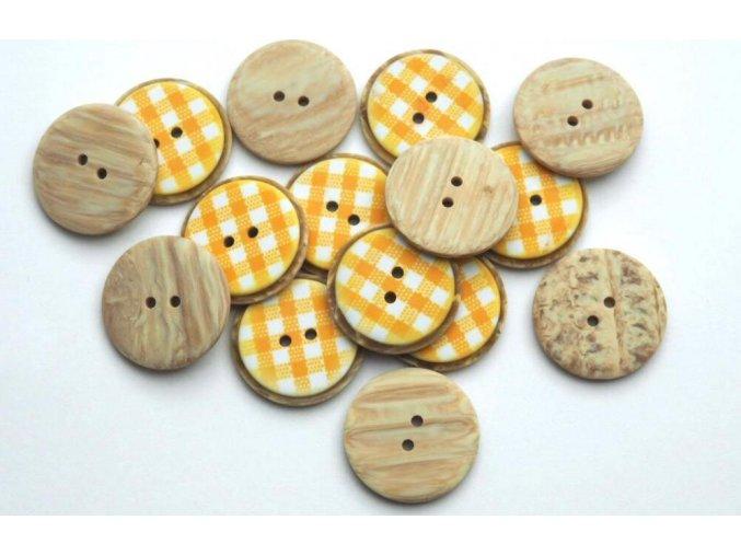 Gombík dvojdierkový plastový 25 mm žltá kocka