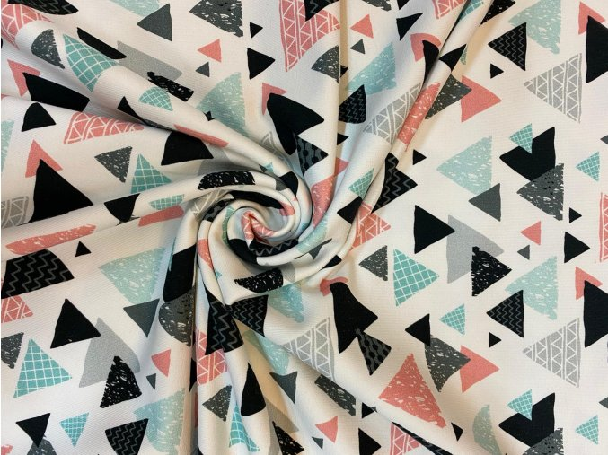 Teplákovina farebné vzorované trojuholníky