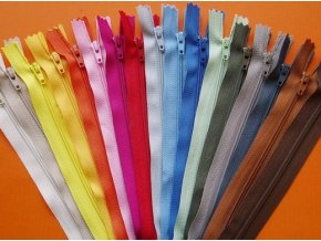 Zips špirálový 3 mm dĺžka 18 cm
