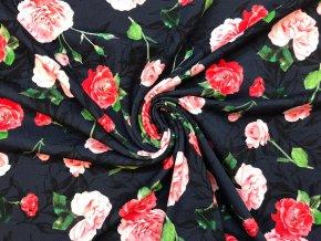 Bavlnený úplet ruže na tmavomodrej