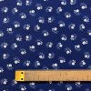 bavlna bile kvitky s listky na modre
