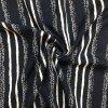Tkanina viskózová pozdĺžne pruhy na tmavomodrej