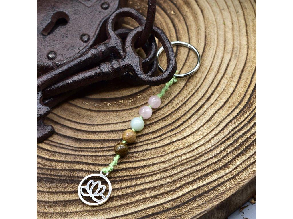 Macramé klíčenka LOTOSOVÝ KVĚT - duhový jaspis, amazonit, růženín