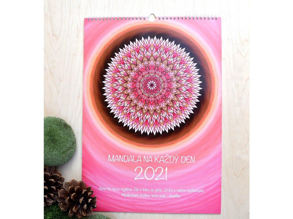 Nástěnný kalendář 2021 - MANDALA NA KAŽDÝ DEN