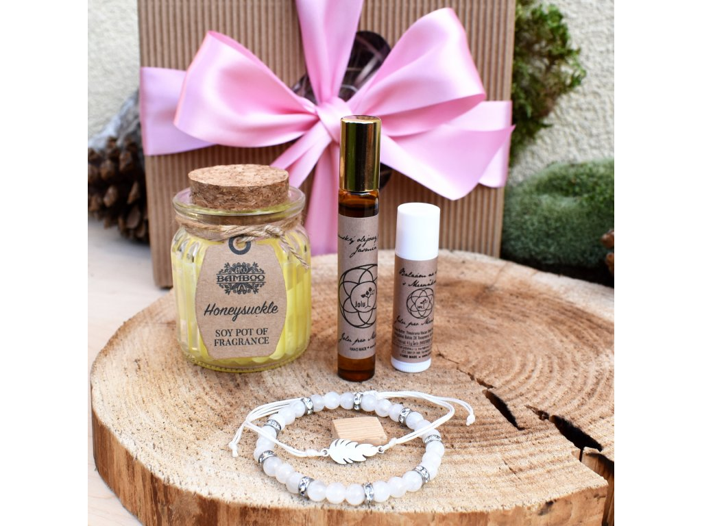 Dárkový balíček pro ženy HARMONICKÉ VZTAHY (M) - náramek k minerálů, shamballa náramek, svíčka, balzám na rty, parfém