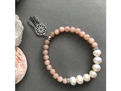 Náramek z minerálů ŠTĚSTÍ - sluneční kámen, říční perly, lapač snů, chirurgická ocel
