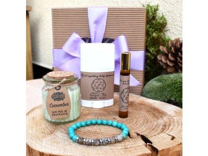 Dárkový balíček pro muže RADOST Z PŘÍTOMNÉHO OKAMŽIKU (M) - náramek, svíčka, tuhý deodorant, parfém