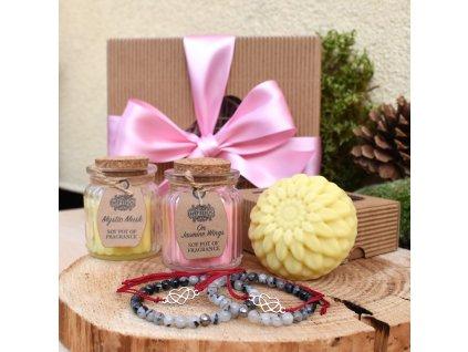 Dárkový balíček pro páry OCHRANA LÁSKY a VĚČNÁ LÁSKA (L) - partnerské náramky z minerálů, partnerské shamballa náramky, dvě svíčky, masážní kostka