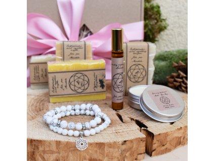 Dárkový balíček pro ženy HARMONICKÉ VIBRACE (L) - dva náramky z minerálů, sada tří přírodních mýdel, přírodní šampón, krémový deodorant, parfém