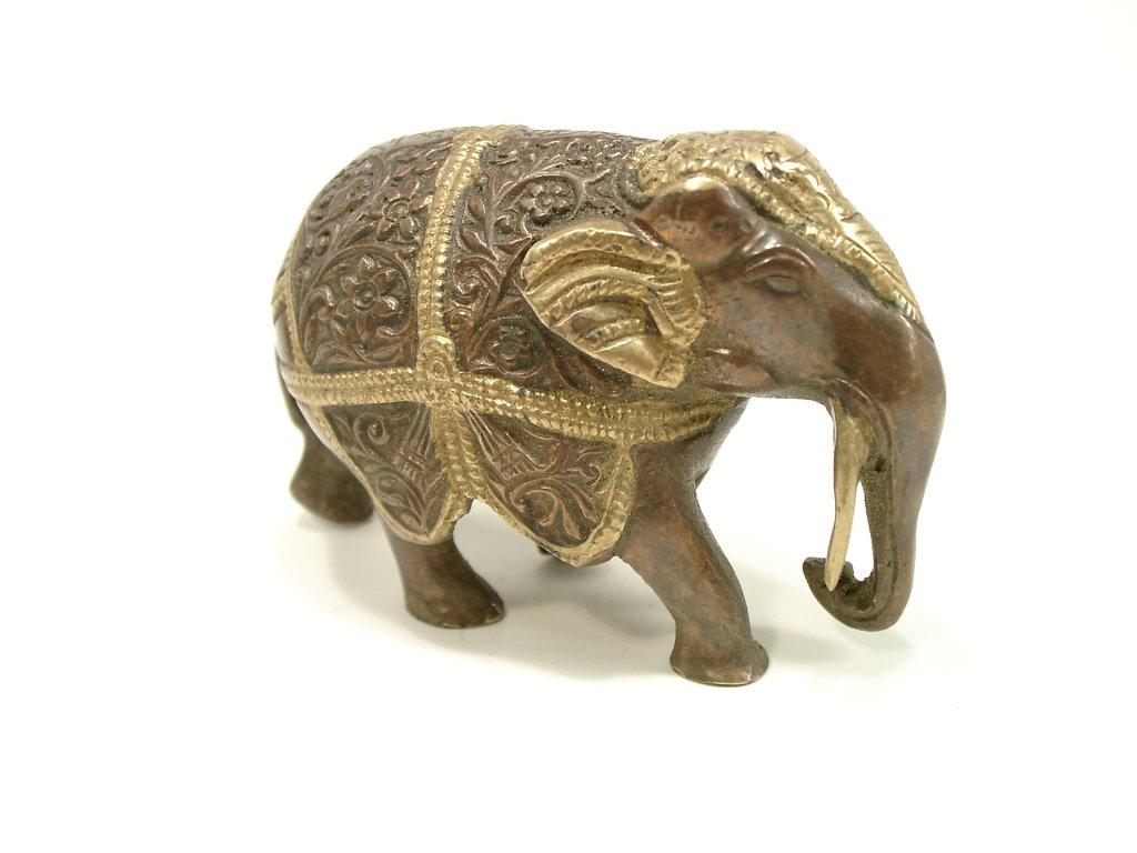 Slon patinovaná mosaz