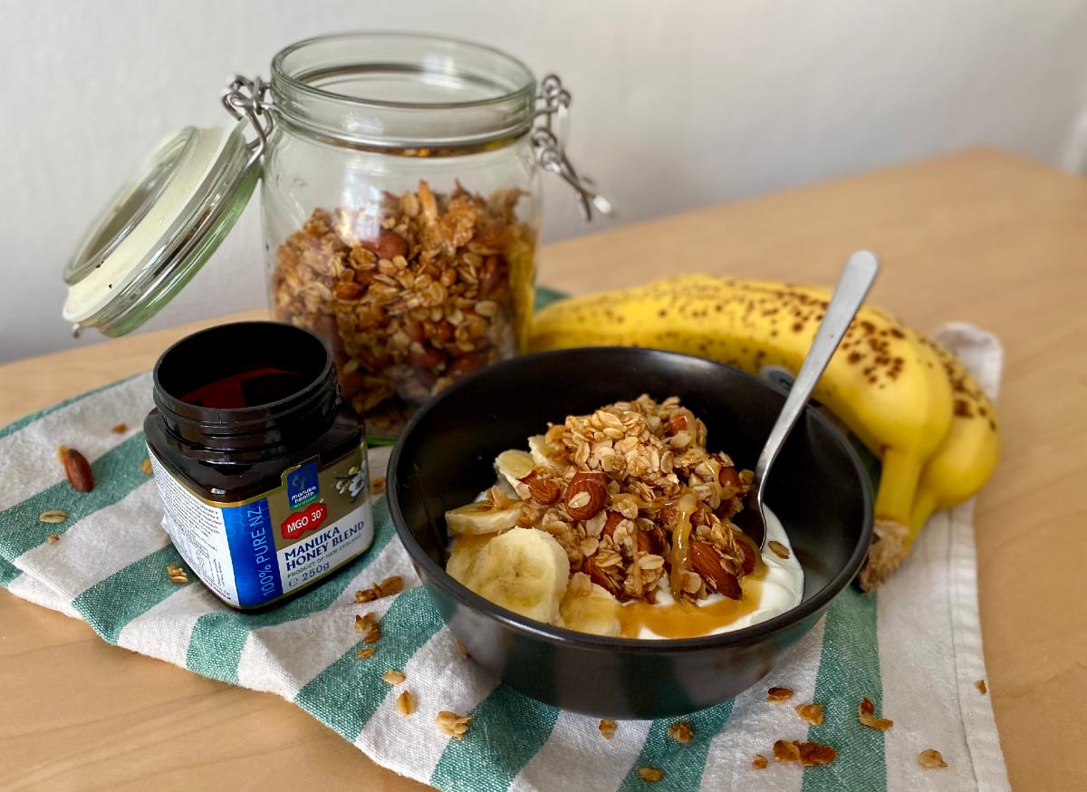 Domáca medová granola s mandľami