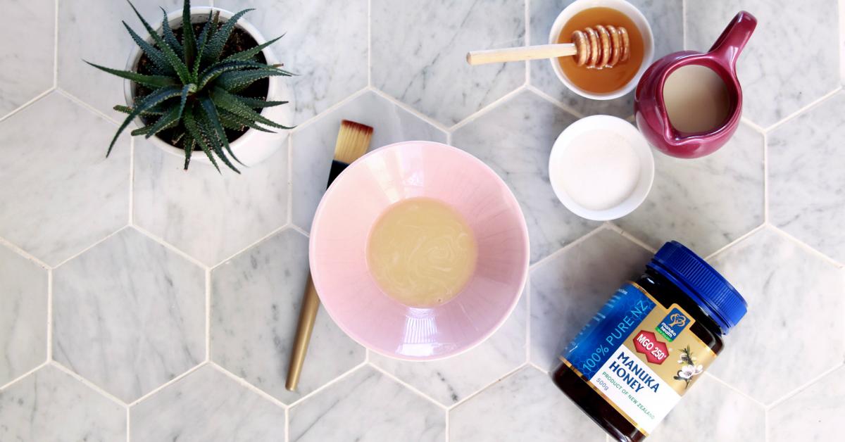 Pleťová maska z medu a mlieka pre citlivú pleť