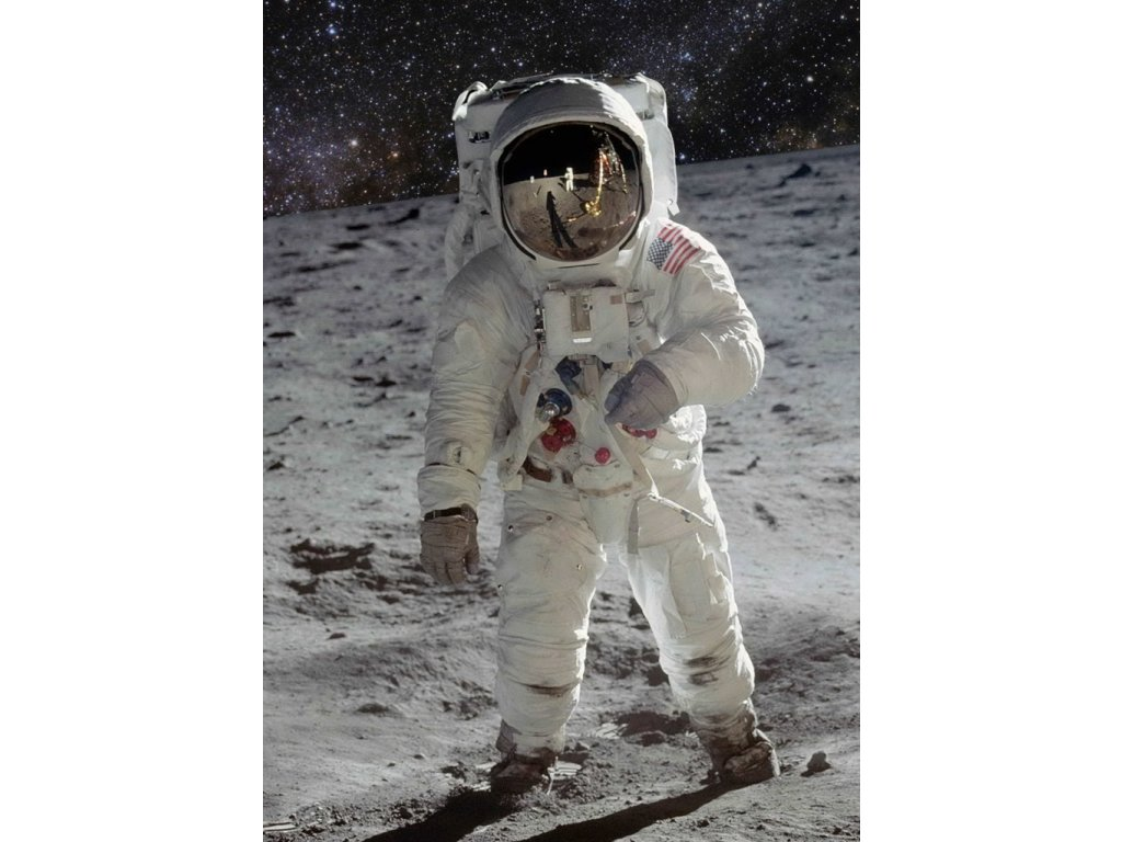 MCT09 MAN ON THE MOON