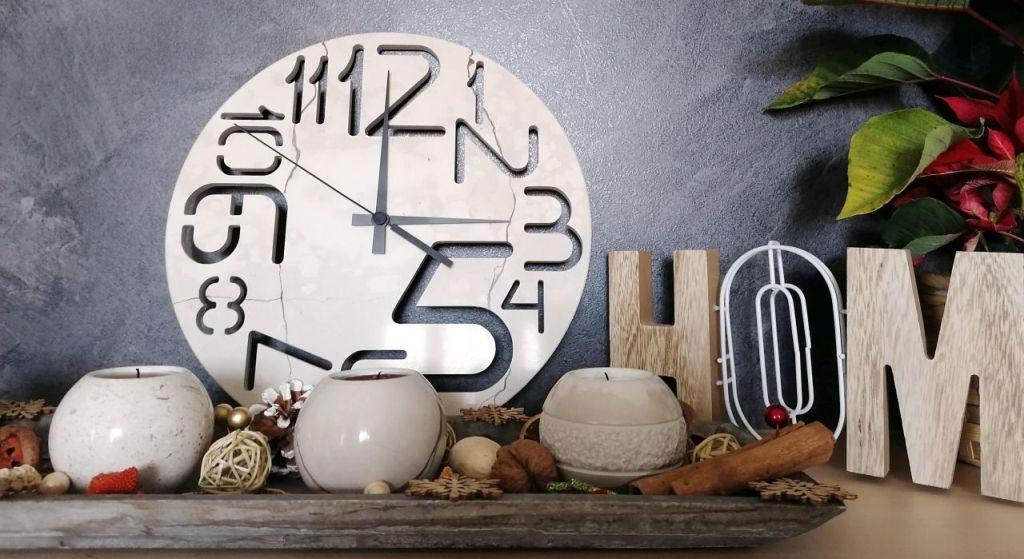 Mramorové nástěnné hodiny
