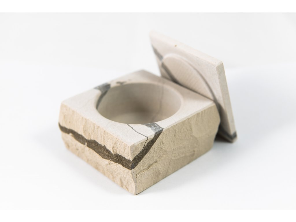 mramorová šperkovnice