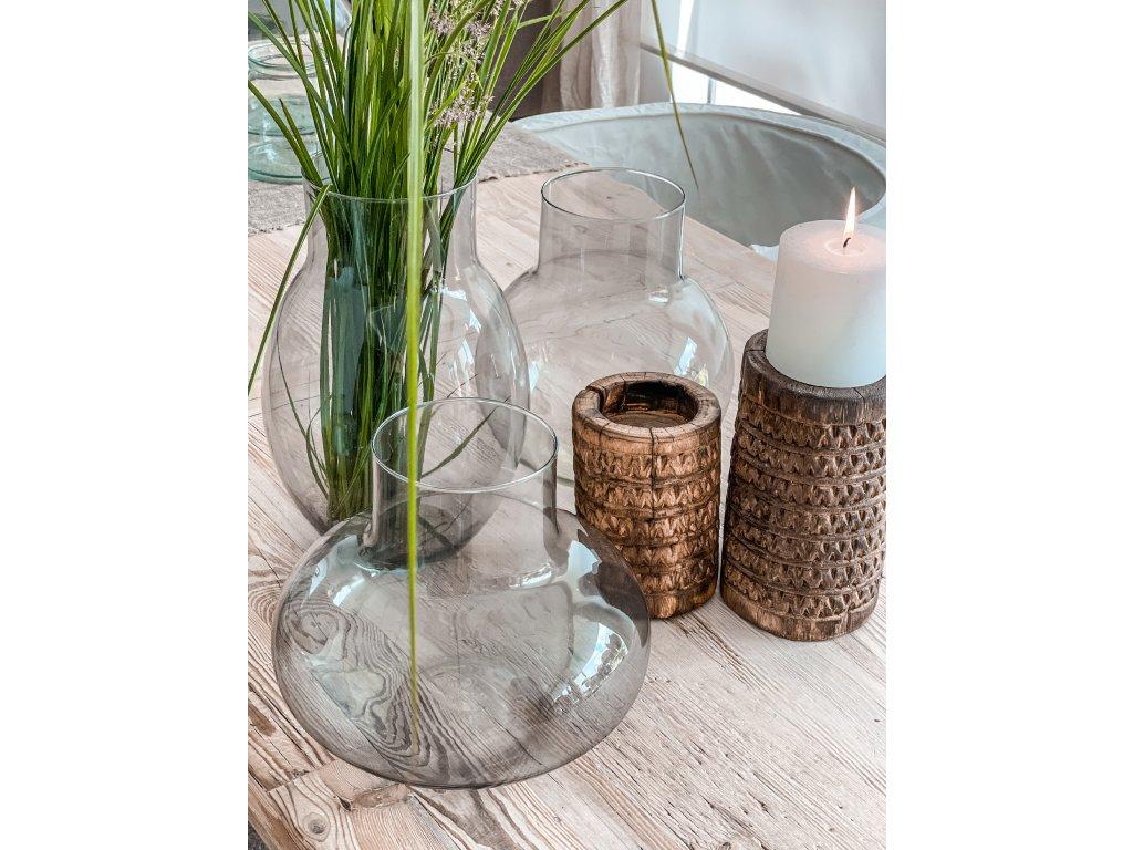 Váza z kouřového skla