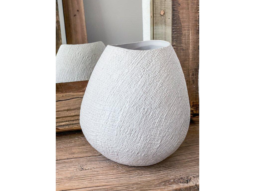 Váza s hrubou strukturou