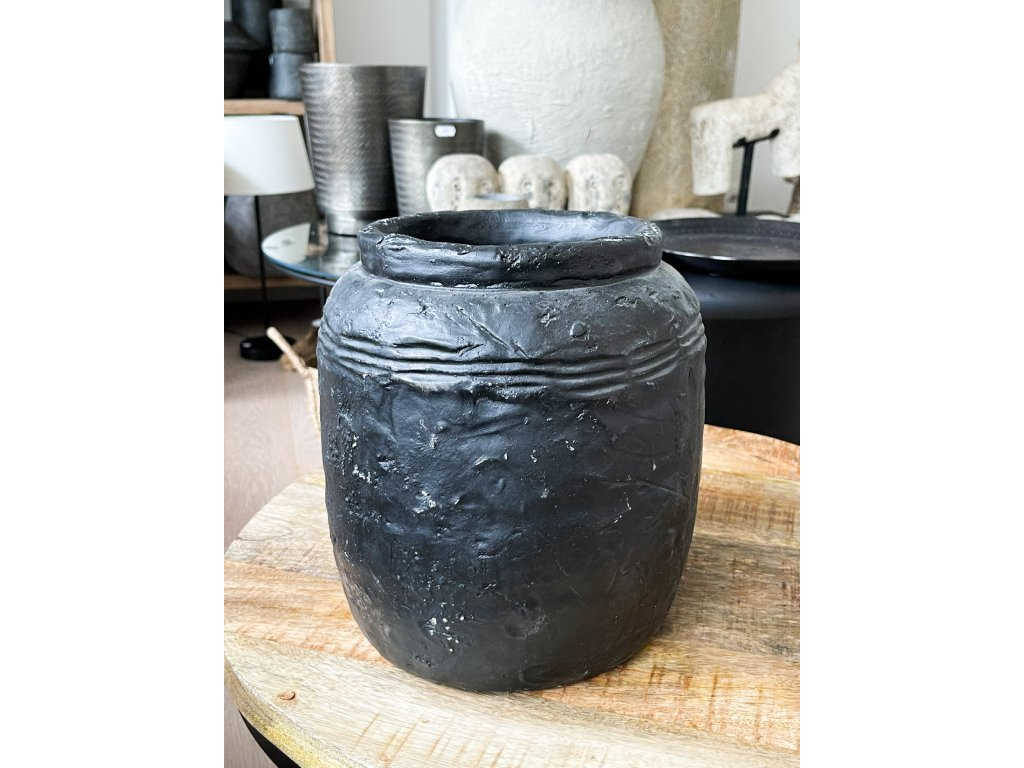 Keramická váza se vzorem