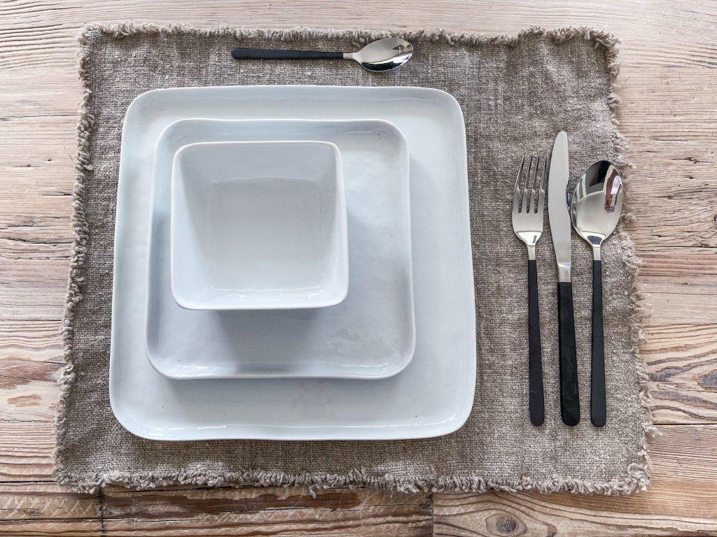 Hranatý talíř na hlavní chod - bílý
