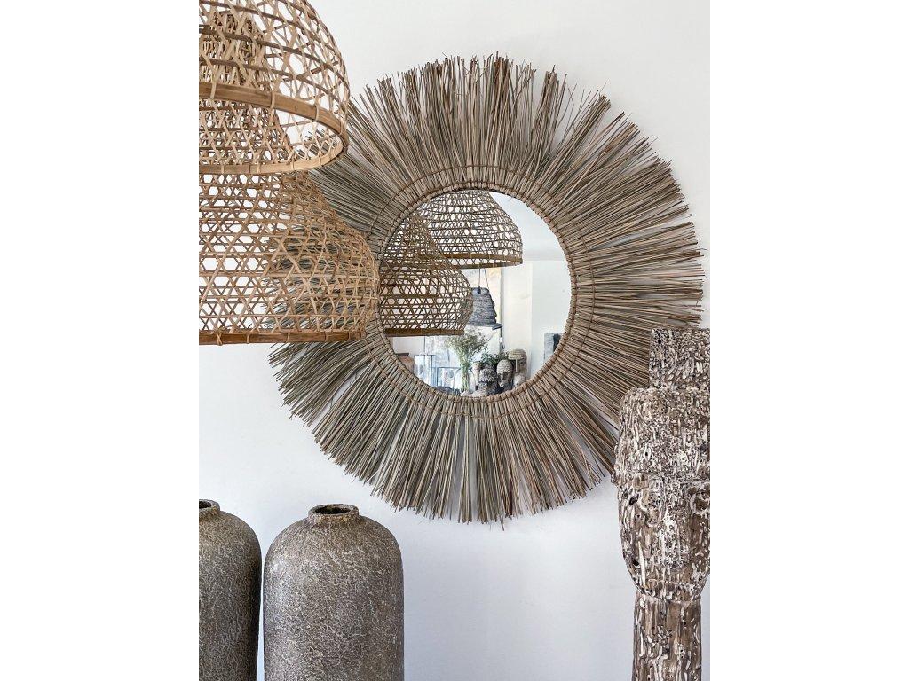 zrcadlo z mořské trávy
