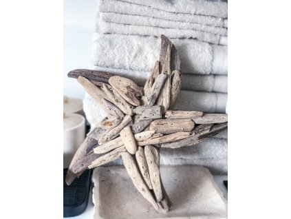 Hvězdice z náplavového dřeva
