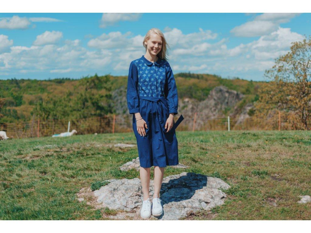 šaty z modrotisku / vzor vinná réva