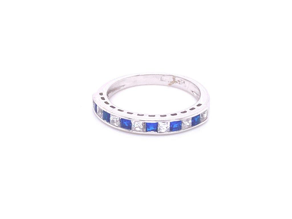 prsten-z-bileho-zlata-a-zirkonu