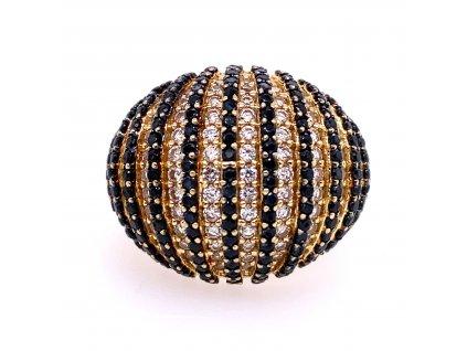 prsten-ze-zluteho-zlata-s-bilymi-a-cernymi-zirkony