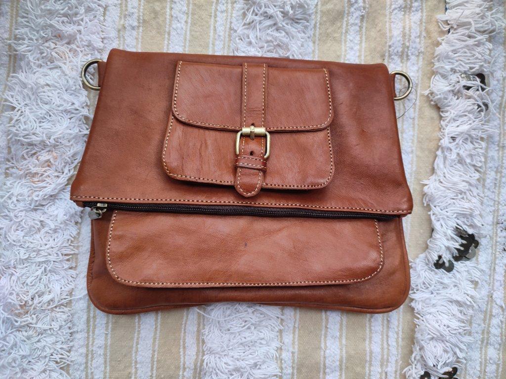 Kožená kabelka překládaná