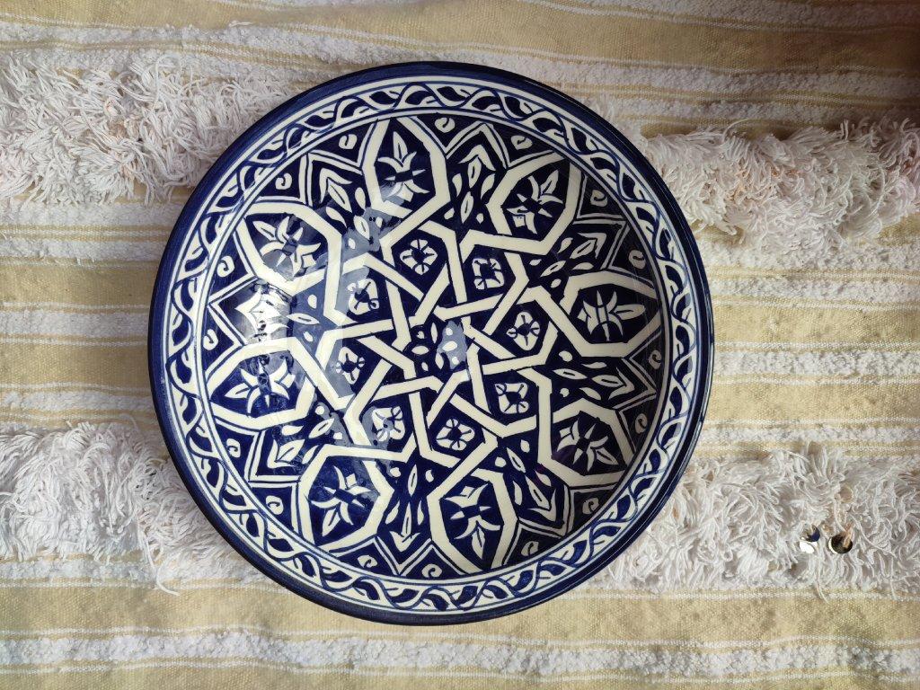 Malovaný keramický talíř modrý