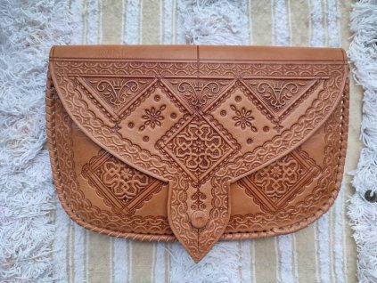 Kožená kabelka s ornamenty