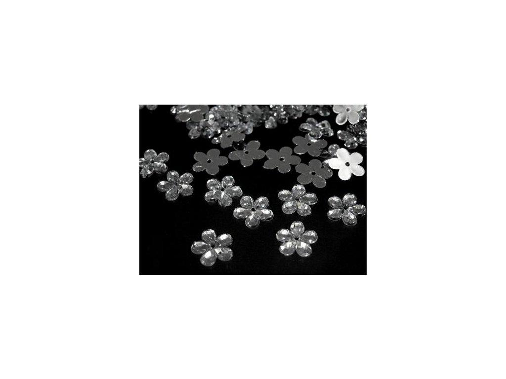 9. plastová květinka