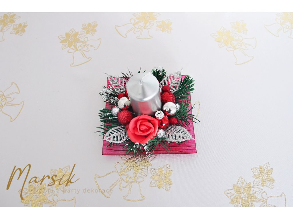 Vánoční svícen červená růže