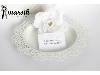 Pozvánka ke stolu fuchsia flowers