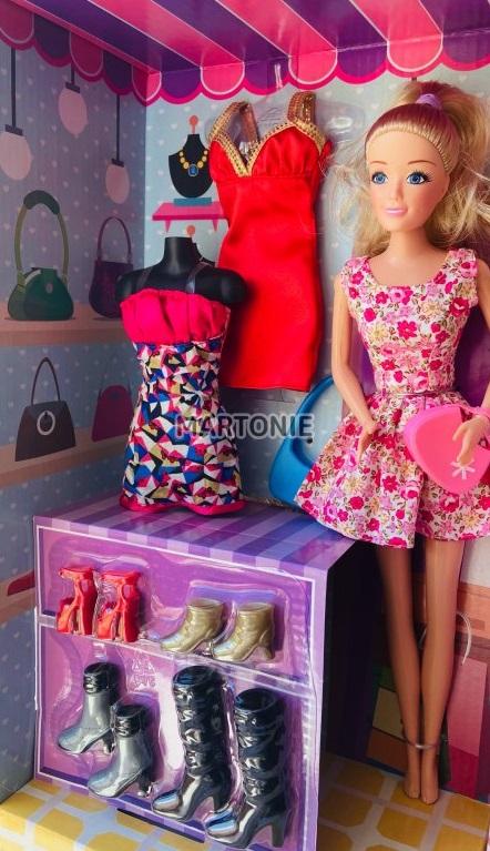 panenka a oděvy
