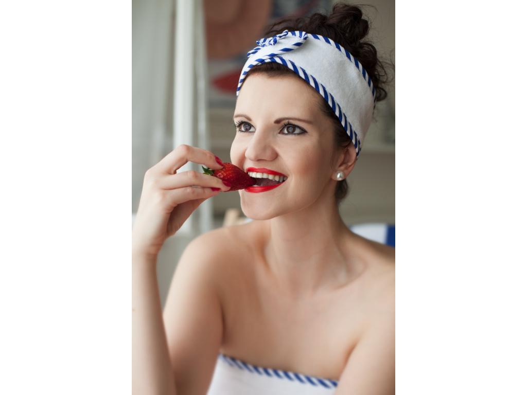Bílá pruhovaná námořnická kosmetická čelenka od MaryBerry