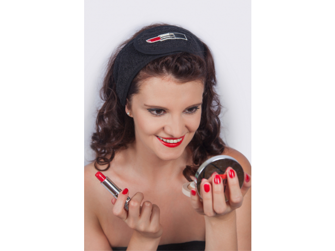 Černá kosmetická čelenka se rtěnkou od MaryBerry