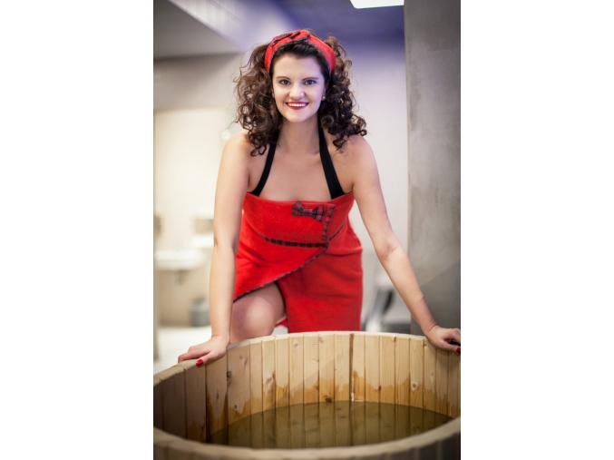 Rebel Girl - červený skotský kilt do sauny pro ženy