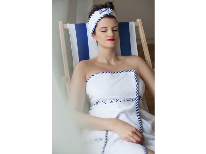 Relaxace v námořnickém saunovém kiltu od MaryBerry