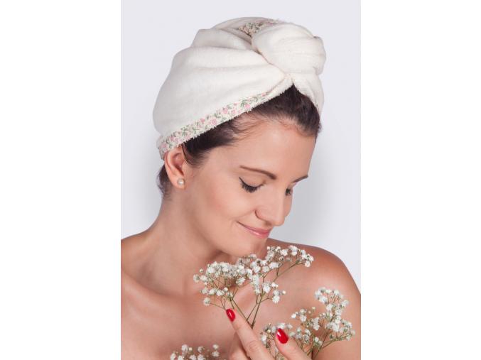 Floral Summer: Krémový turban na vlasy s květinami od MaryBerry