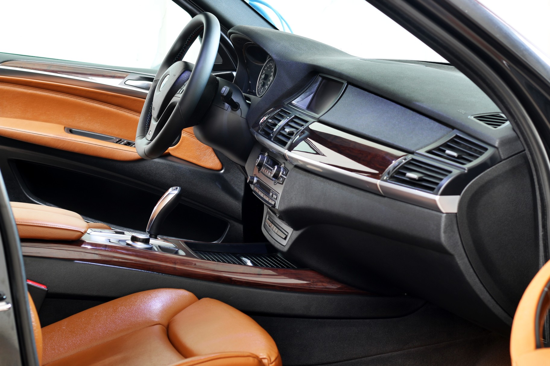 vyMASTERováno - interiér BMW X5