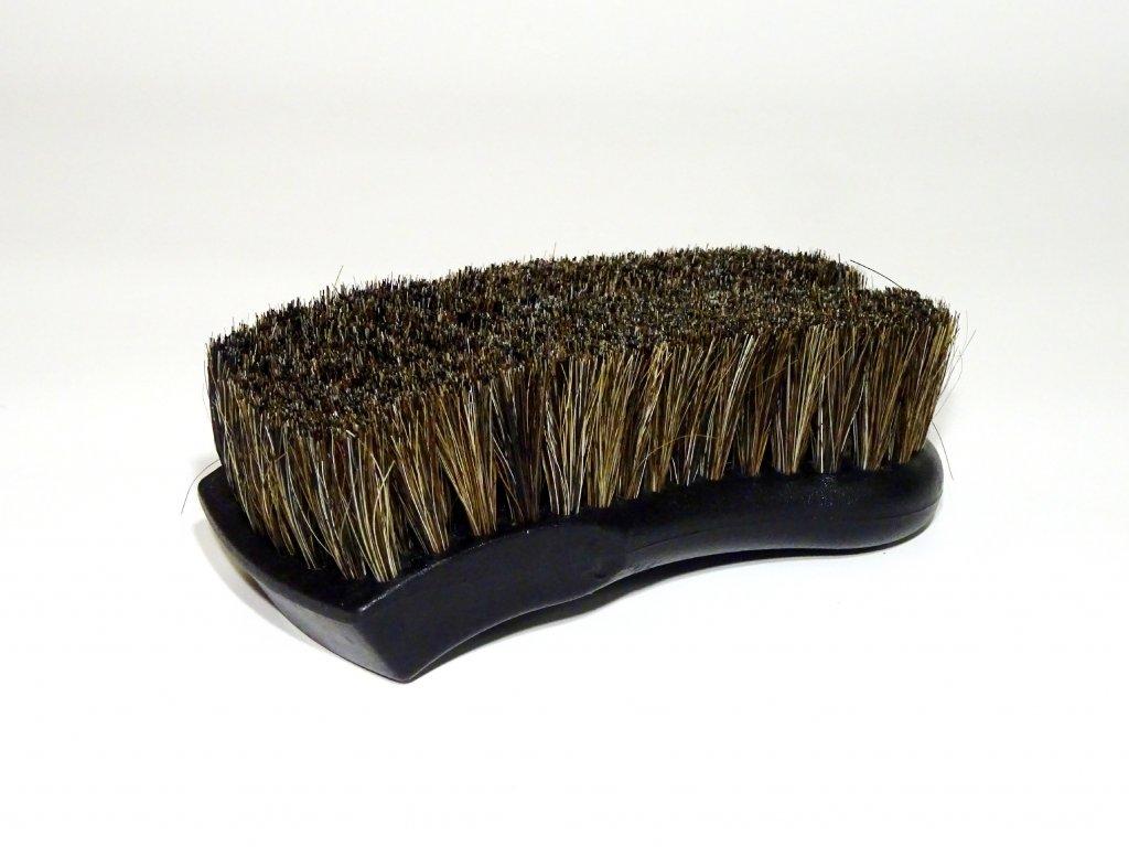 Jemný kartáč na čištění kožených a látkových sedadel v autě - HORSE HAIR INTERIOR BRUSH