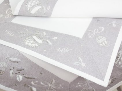 Vánoční ubrus s výšivkou V158 bílá/stříbrná/šedá