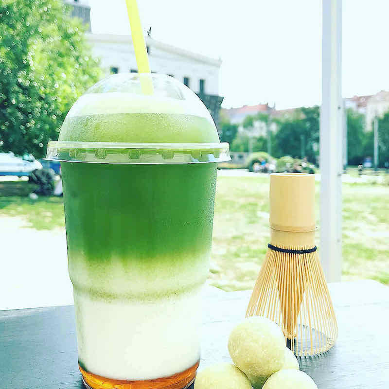 matcha-latte-slany-karamel