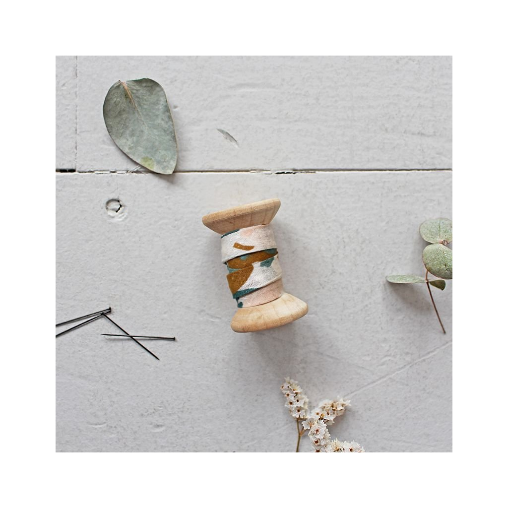 atelier brunette posie green bias tape