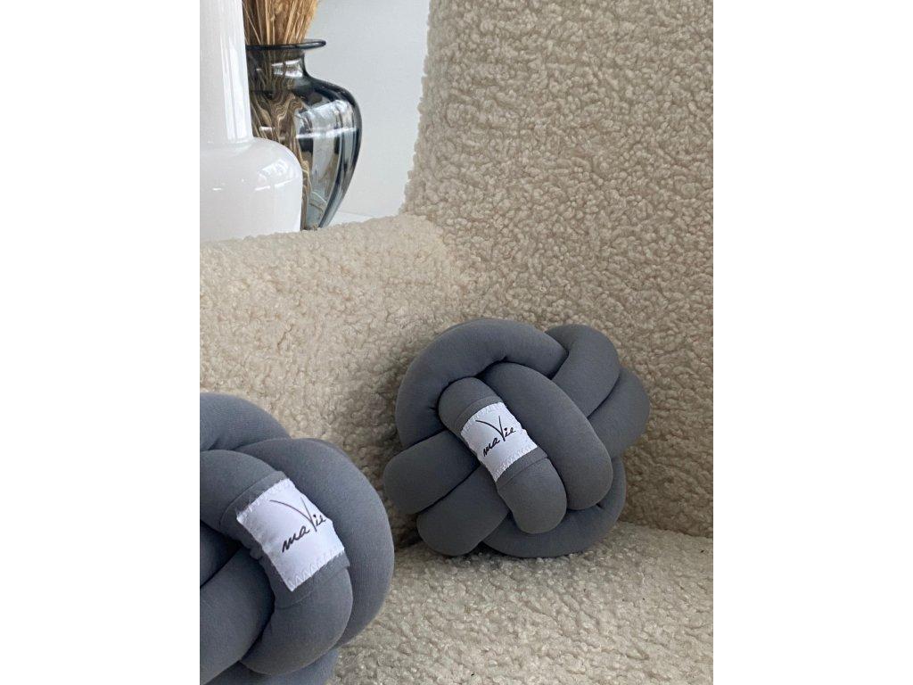 Pletený ball tmavě šedý