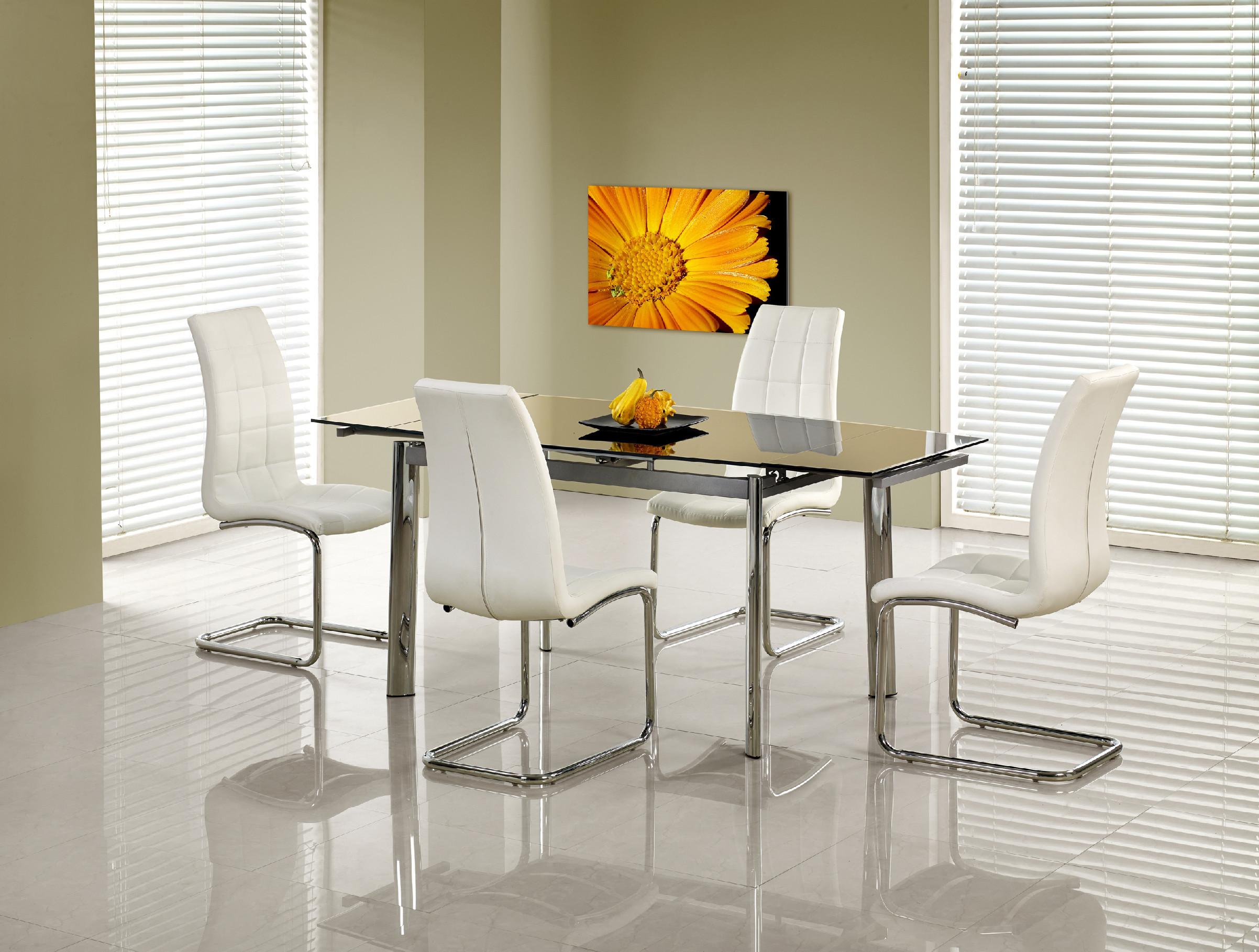 Jídelní stoly skleněné