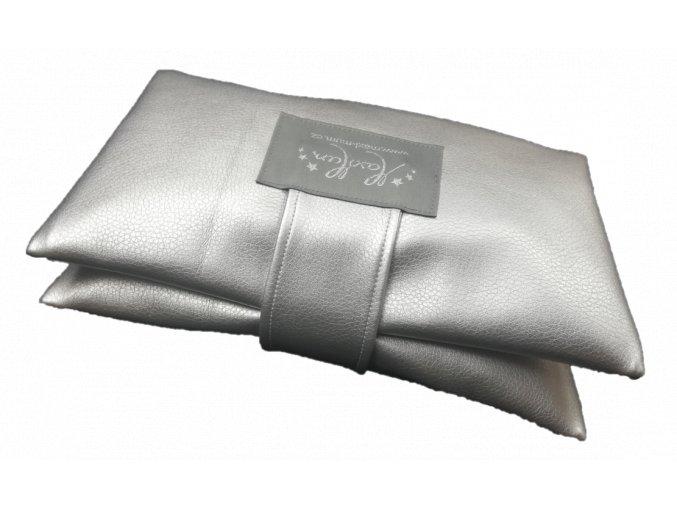 stříbrný 3